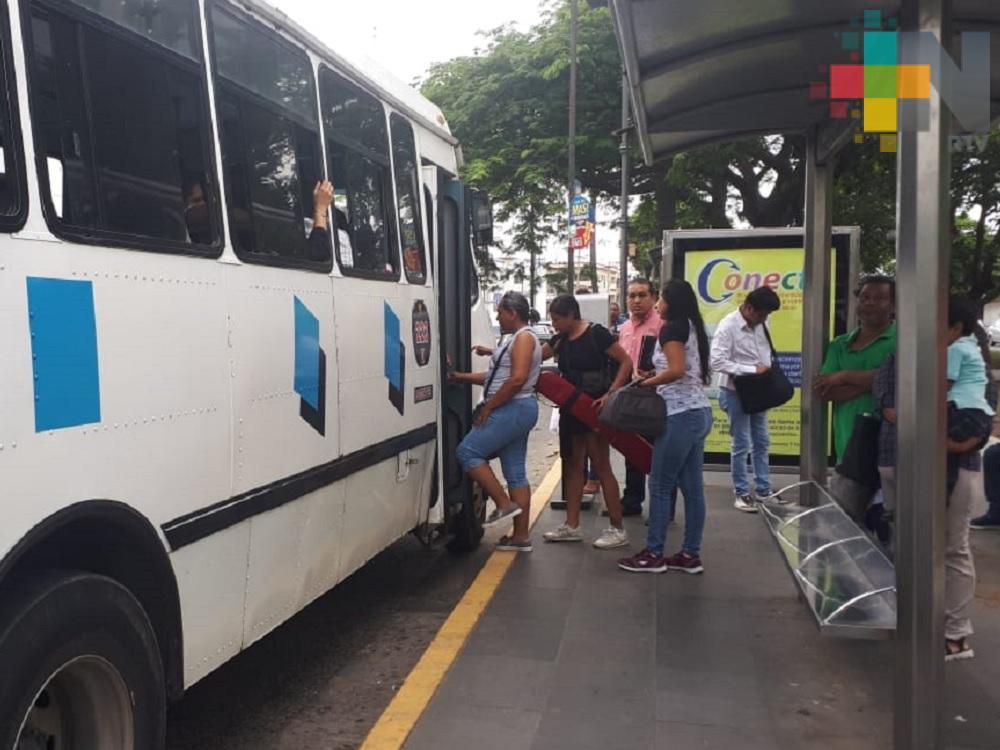 Garantizado el transporte público; tomará vías alternas por cierre de calles en Veracruz puerto