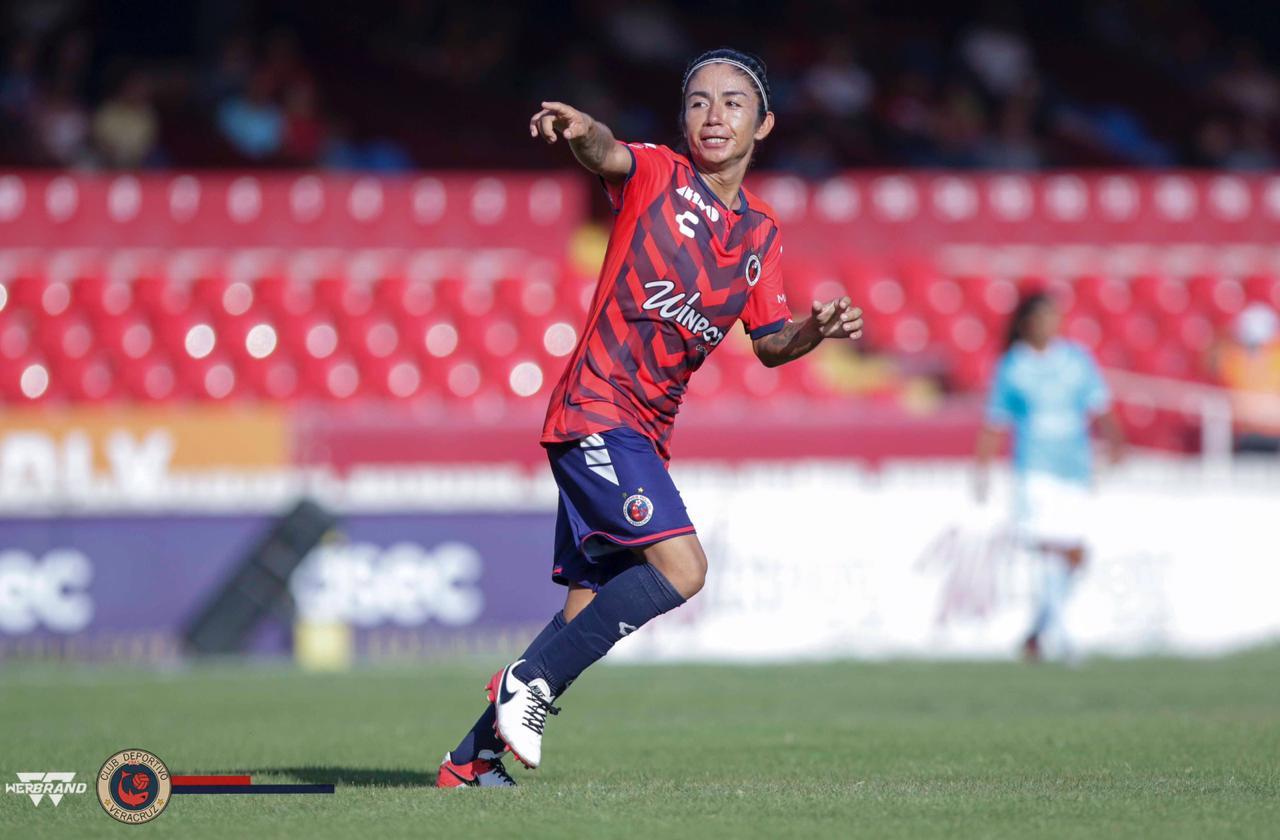 Tiburones Rojos femenil debutaron con empate ante Querétaro
