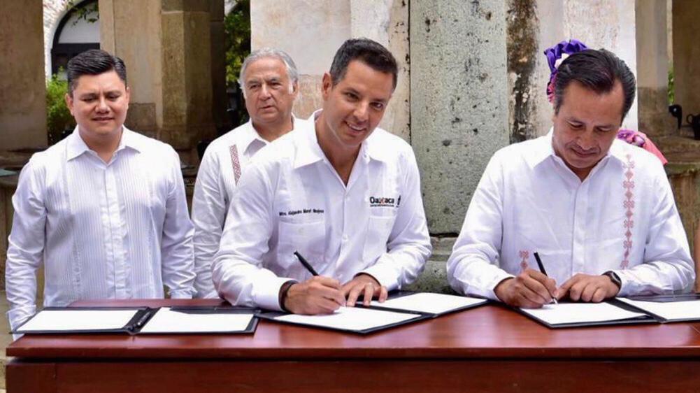 Signan gobernadores de Oaxaca y Veracruz, acuerdo de cooperación en materia de turismo