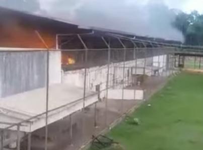 Motín en cárcel brasileña deja 52 muertos entre ellos 16 decapitados