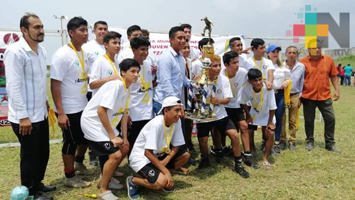 Premiaron a lo mejor de la  Liga Infantil de Futbol de Coatzacoalcos