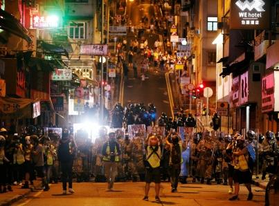 Liberan a 44 personas detenidas durante protestas en Hong Kong