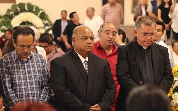A nombre del Gobierno de Veracruz, asiste Eric Cisneros a exequias del Cardenal Sergio Obeso