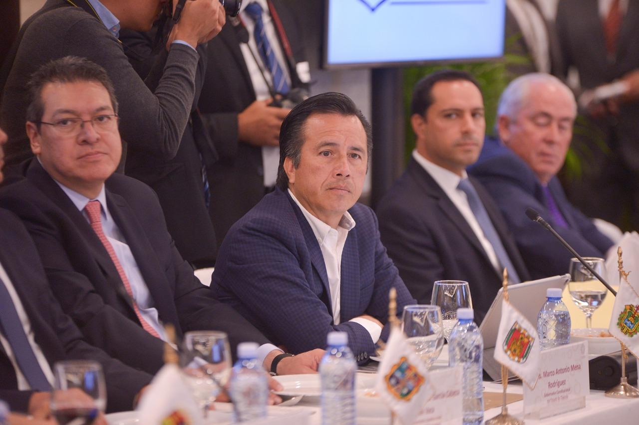 Fortalece gobernador Cuitláhuac García coordinación con FGR para la investigación de delitos