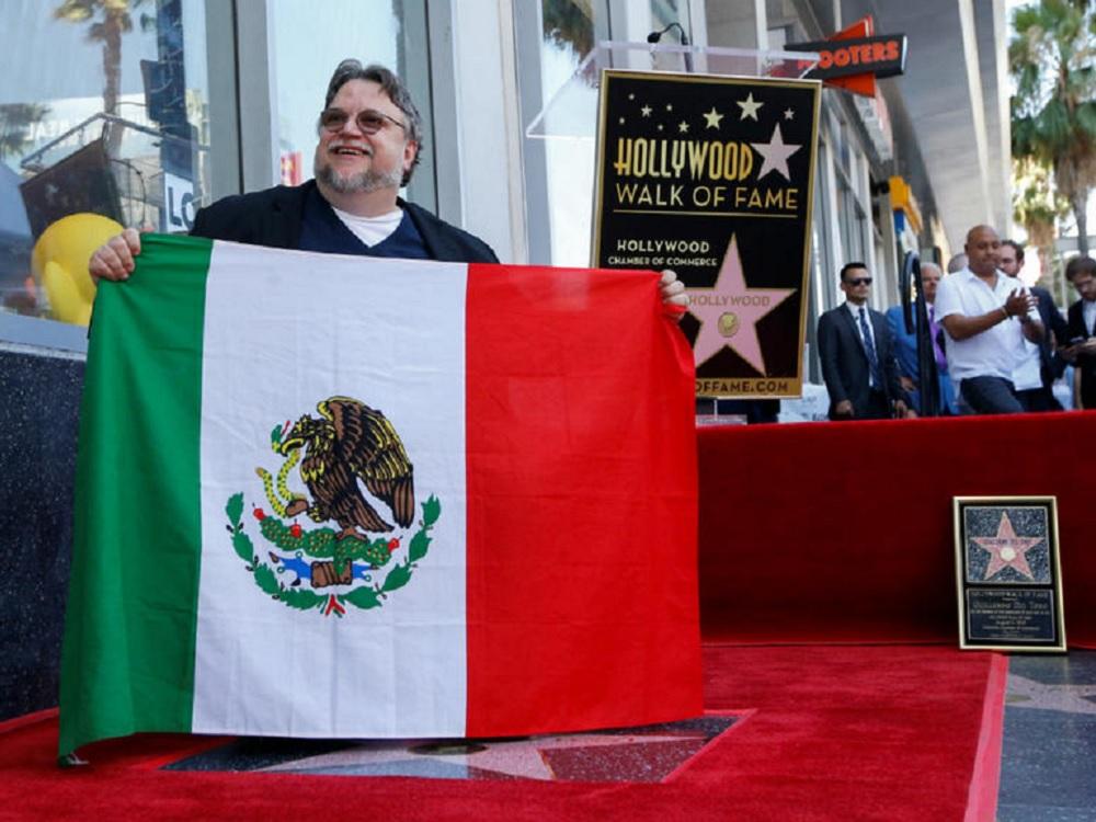 Guillermo del Toro recibe su Estrella en el Paseo de la Fama de Hollywood