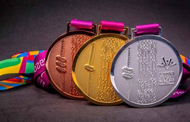 Anuncia AMLO estímulos especiales a medallistas en Lima 2019