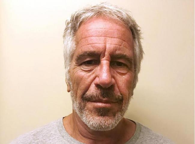 Se suicida en su celda el multimillonario Jeffrey Epstein