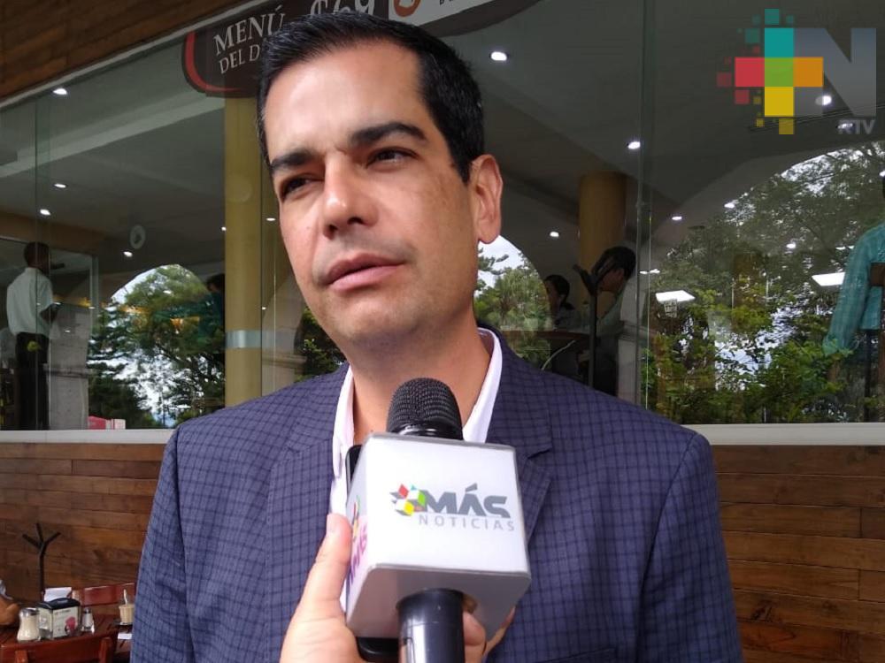 No cerrarán más comercios en Xalapa, señala el regidor Fernández Garibay