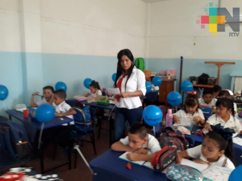 Más de 138 mil profesores federales y estatales en Veracruz, recibirán bono del Día del Maestro