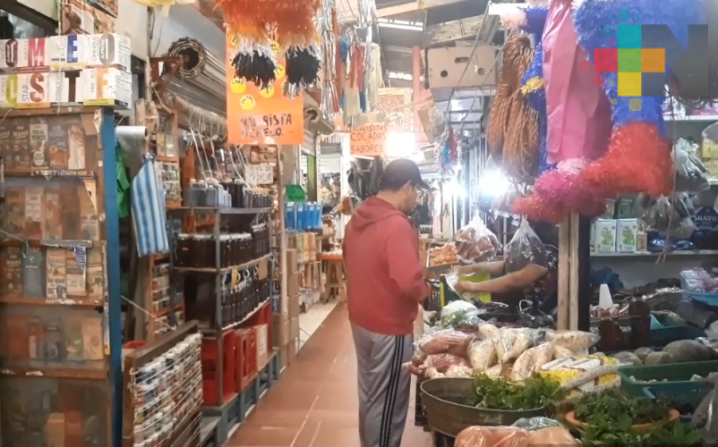 Locatarios reclaman a alcalde inversión en mercado de Tuxpan
