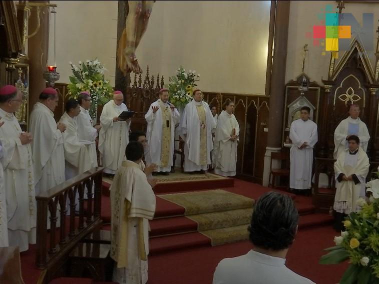 Arzobispo de Xalapa celebra misa exequial de cardenal emérito Sergio Obeso