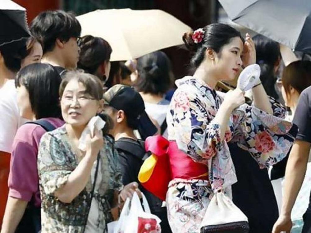 Mueren 57 personas por ola de calor de Japón