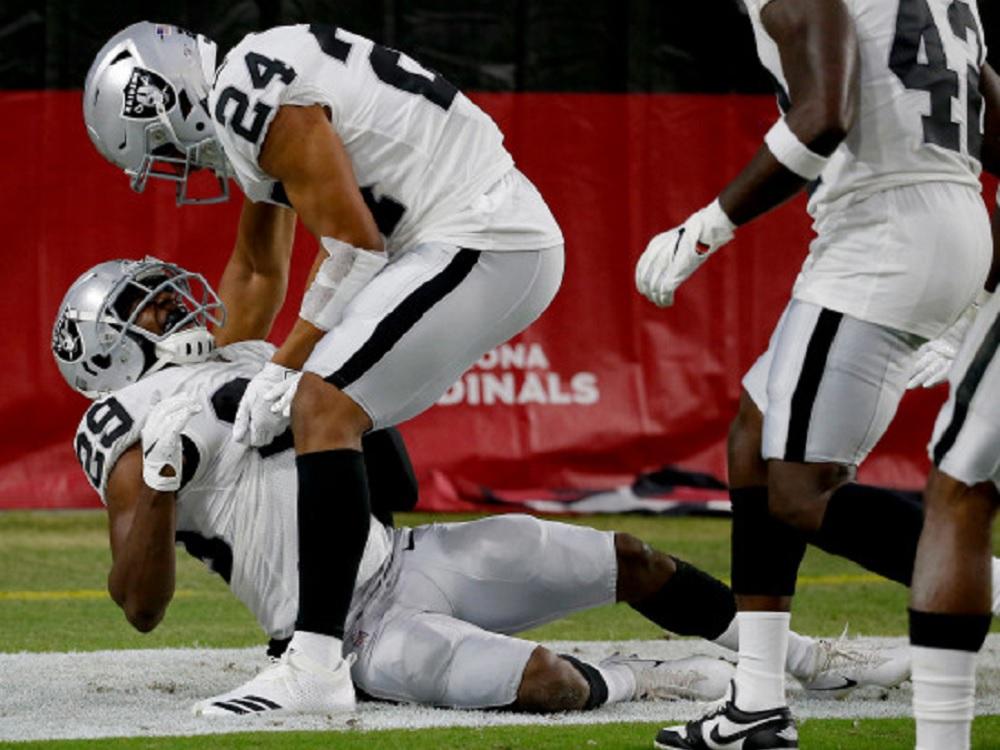 Raiders ganan y Empacadores pierden en pretemporada de NFL