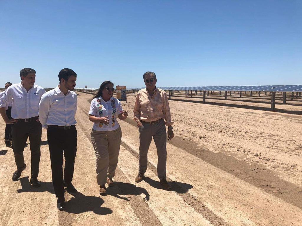 """Parque fotovoltaico """"La Orejana"""" abastecerá de energía renovable a más de 220 mil hogares"""