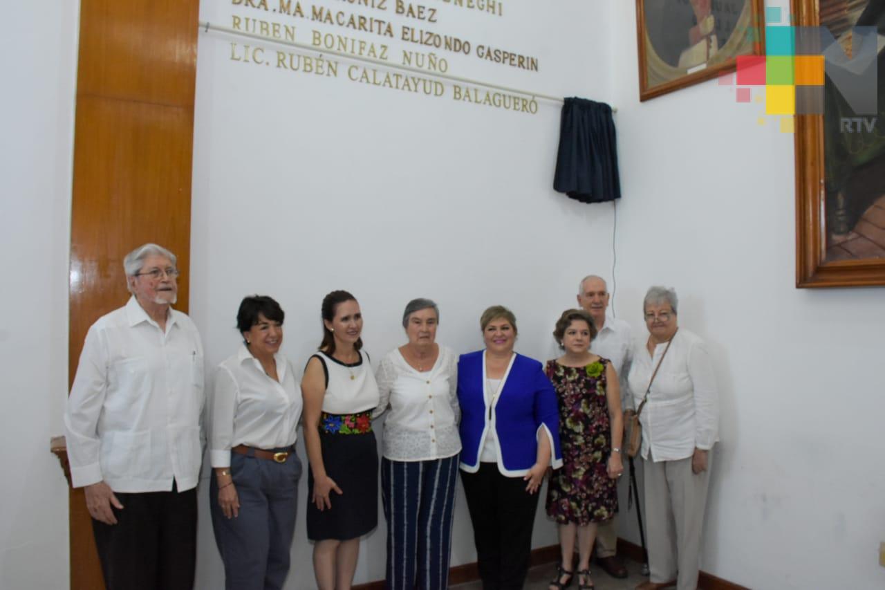 Colocan placa en Cabildo en honor a Rubén Calatayud Balagueró