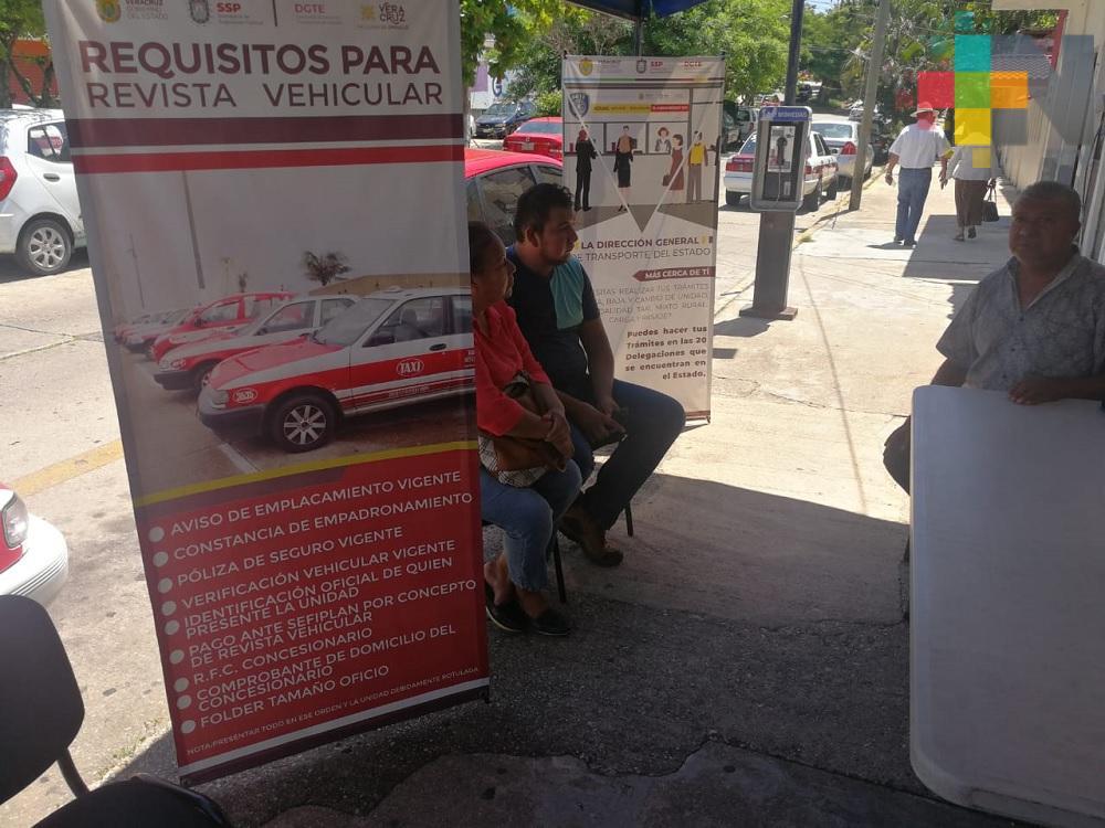 Tras anuncio de gobernador, aumentan trámites de revista vehicular en Coatzacoalcos