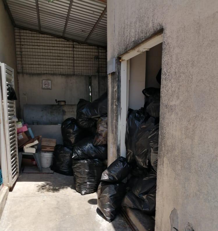 Fernando Yunes inunda de basura los hospitales de Veracruz