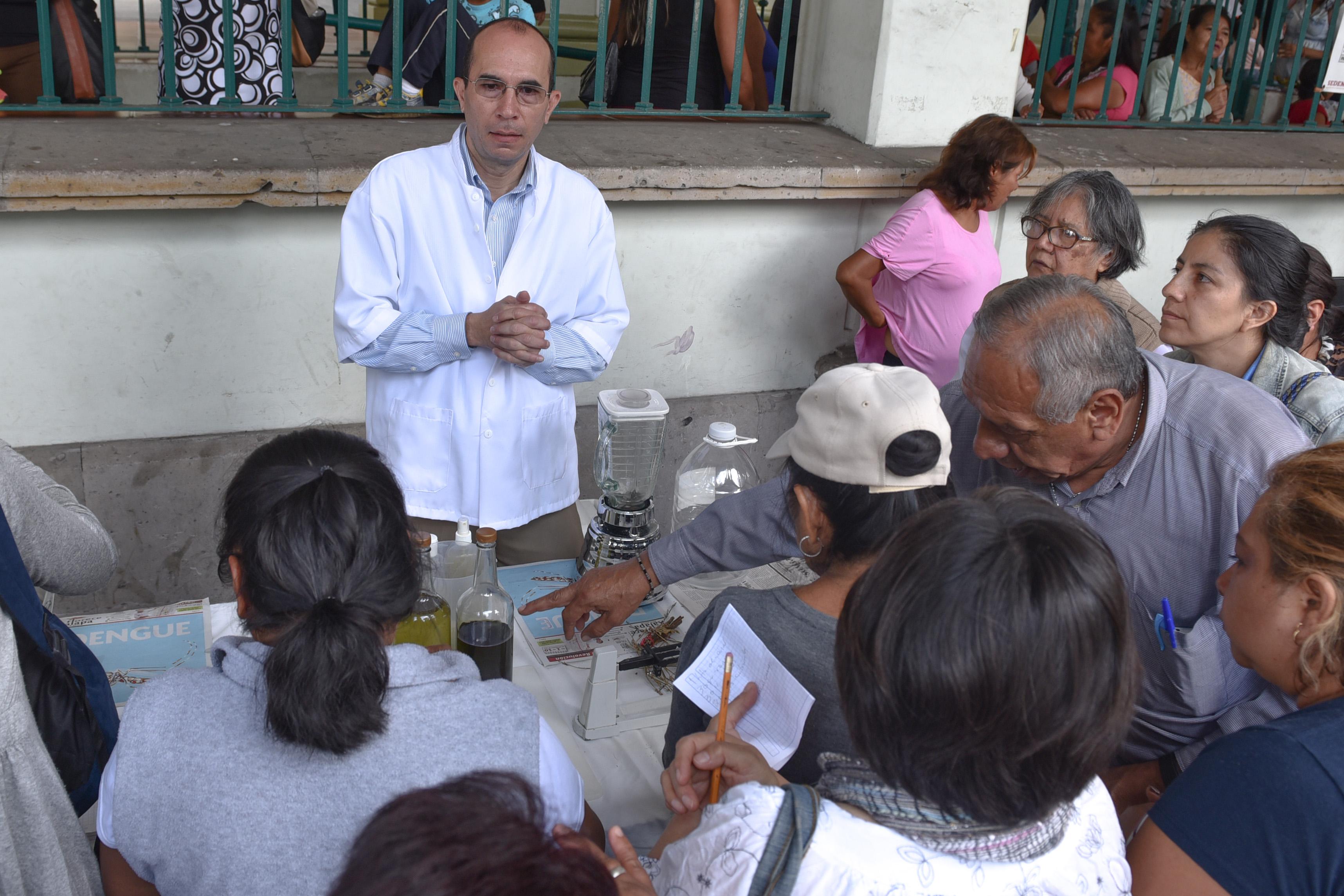 Ayuntamiento impartió un taller para elaborar repelente natural para mosquitos