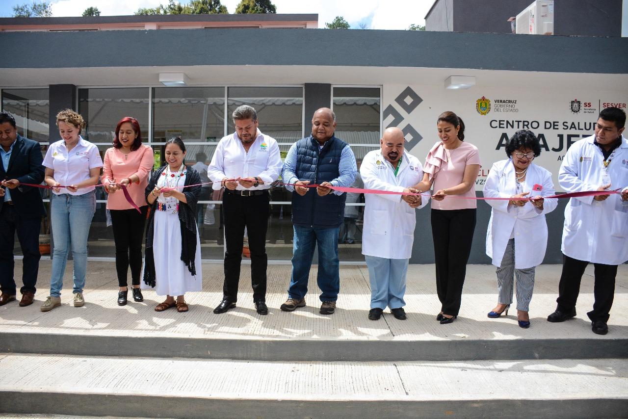 Encabezó Eric Cisneros inauguración de Clínica de Salud y Salón de Usos Múltiples en Acajete