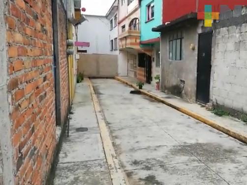 Vecinos piden abrir callejón bloqueado por particular en Córdoba