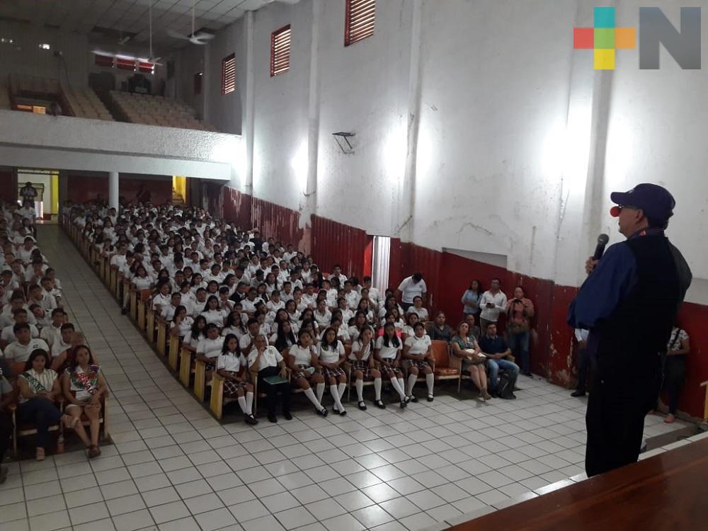 En Martínez de la Torre imparten conferencia sobre la «Prevención de Suicidios»