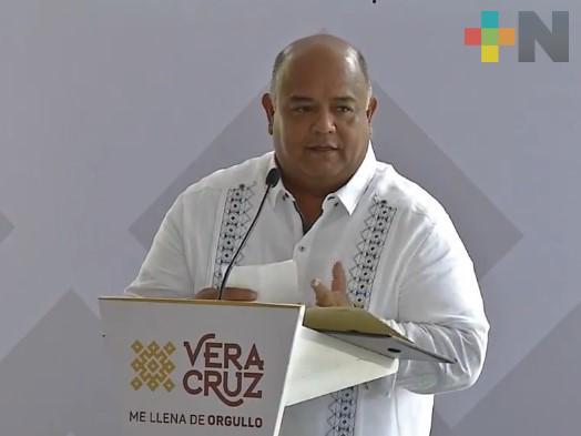 Editora de Gobierno podrá participar en edición de libros de texto gratuitos: Eric Cisneros