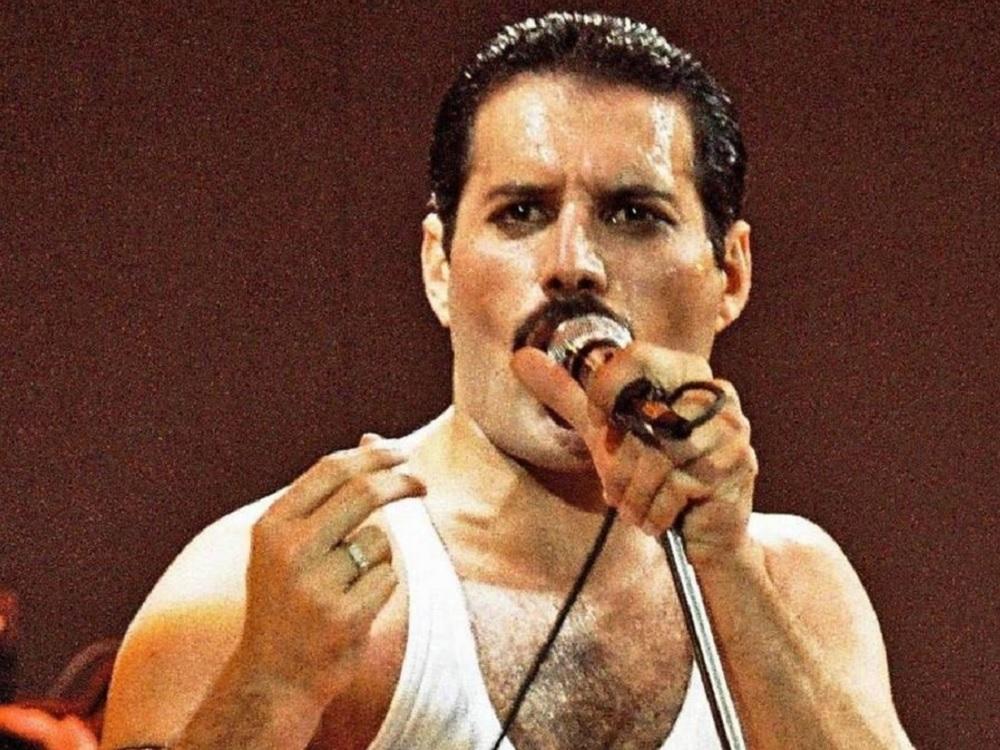 Irreverencia e ingenio de Freddie Mercury en reedición de libro