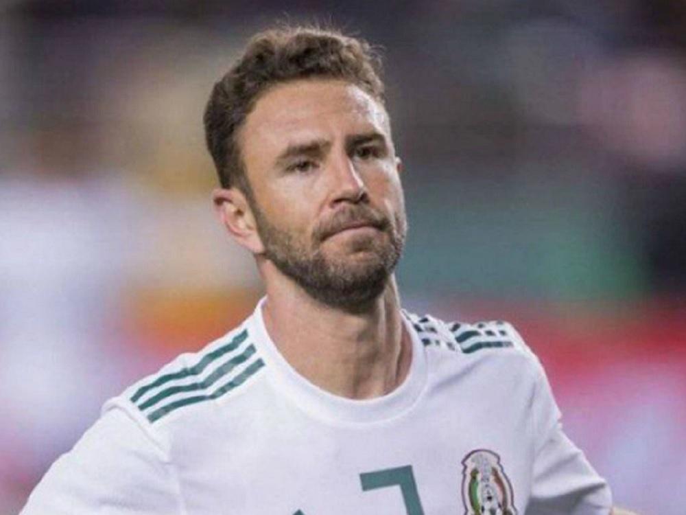 Miguel Layún sale en defensa de seleccionados mexicanos