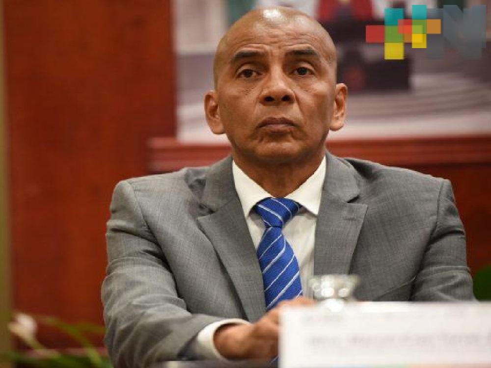 Pese a su elevado salario, Marcos Even Torres sigue ausente de sus labores en la Fiscalía de Veracruz