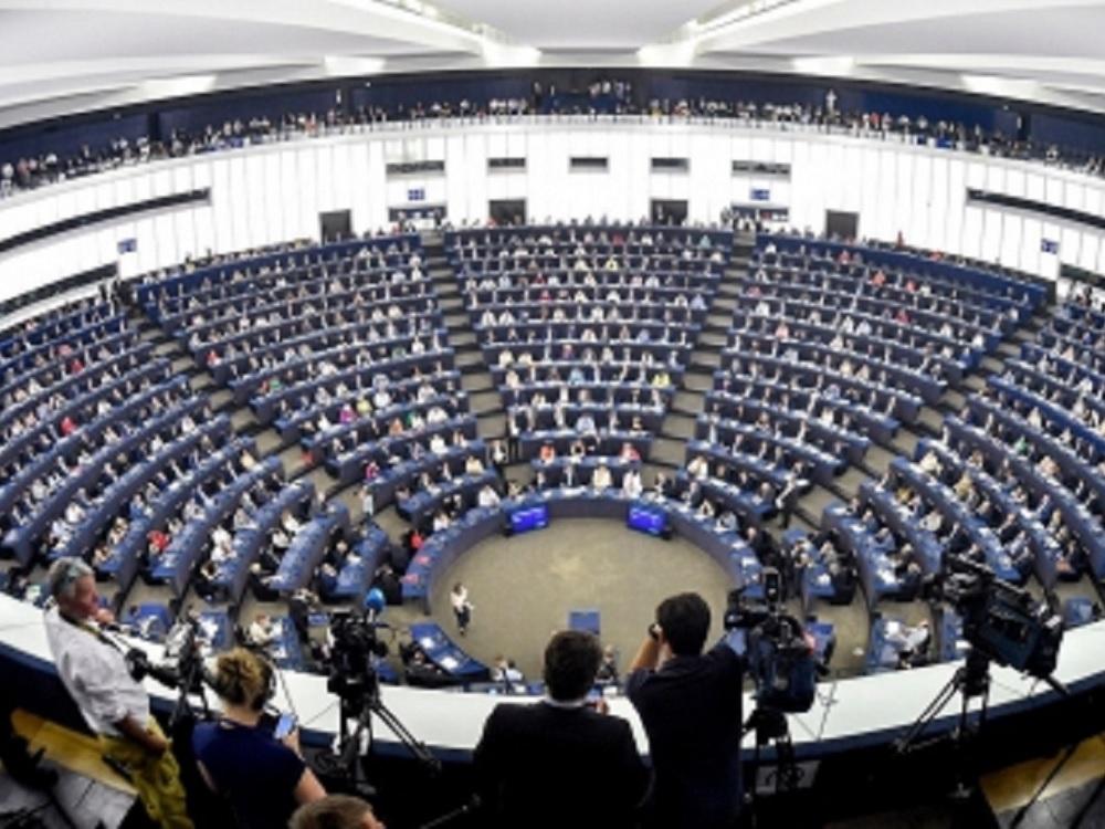 Parlamento Europeo rechaza Brexit sin salvaguarda para Irlanda