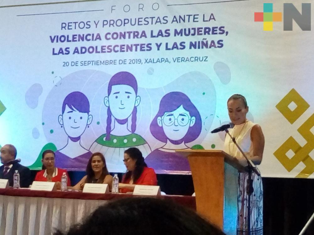 Realizan foro «Retos y propuestas ante la violencia contra las mujeres, adolescentes y las niñas»