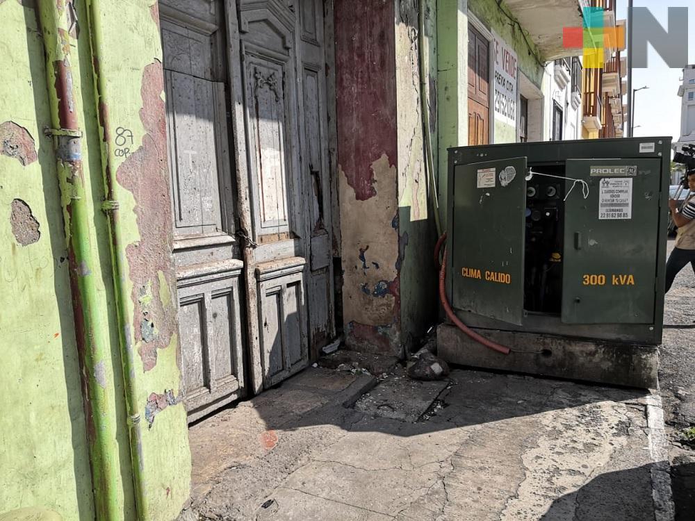 Transformador de energía pone en peligro a peatones en municipio de Veracruz