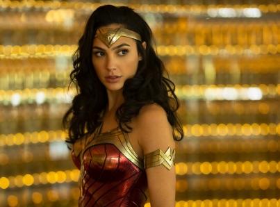 """Gal Gadot vuelve con su traje de """"Wonder Woman"""""""