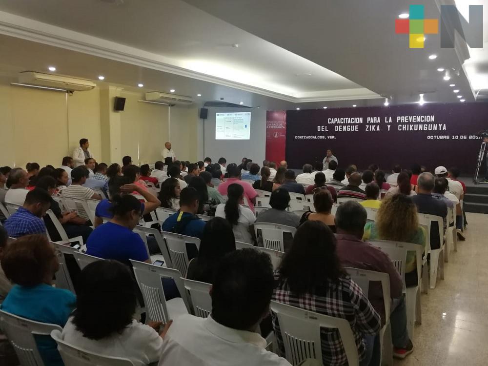 Jurisdicción Sanitaria XI capacita a trabajadores de ayuntamiento para combatir dengue en Coatzacoalcos