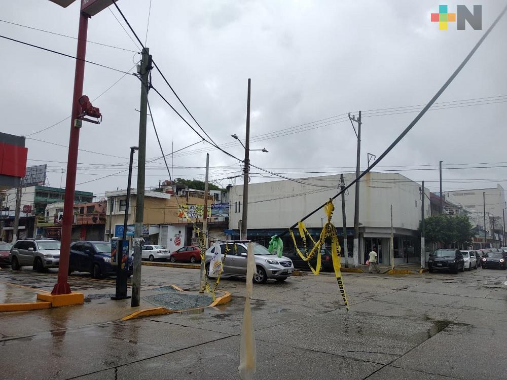 PC atiende reportes de cables caídos en diferentes puntos de Coatzacoalcos