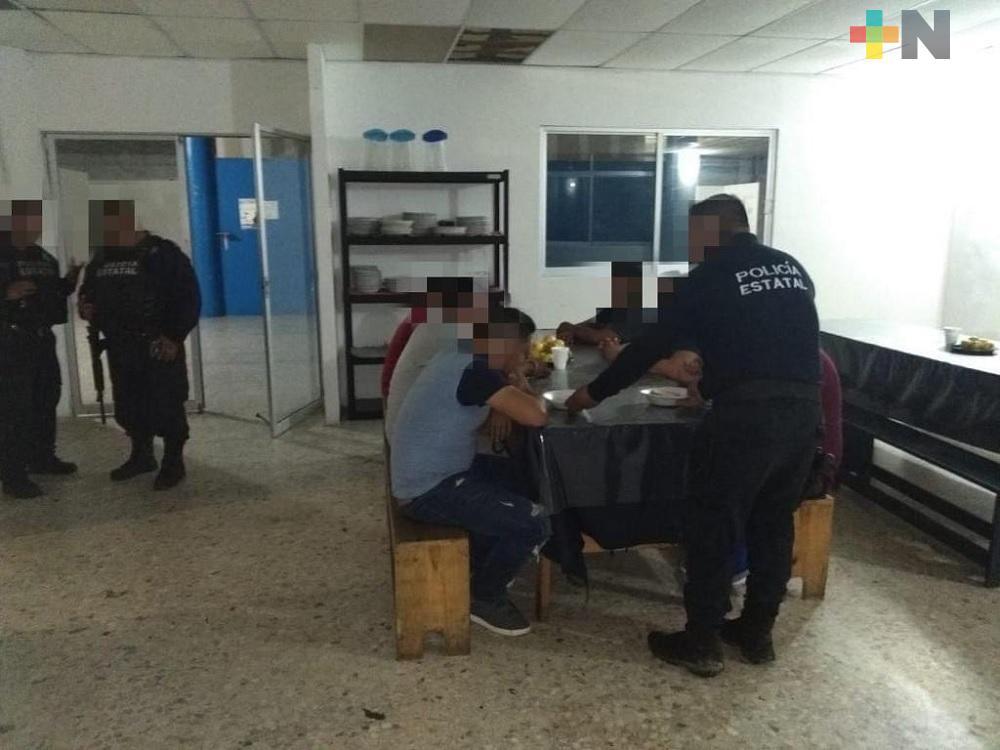 Resguarda SSP a 15 migrantes centroamericanos; seis detenidos