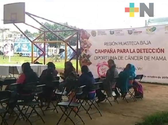 Llevan a cabo campaña para detección de cáncer de mama en la sierra de Huayacocotla