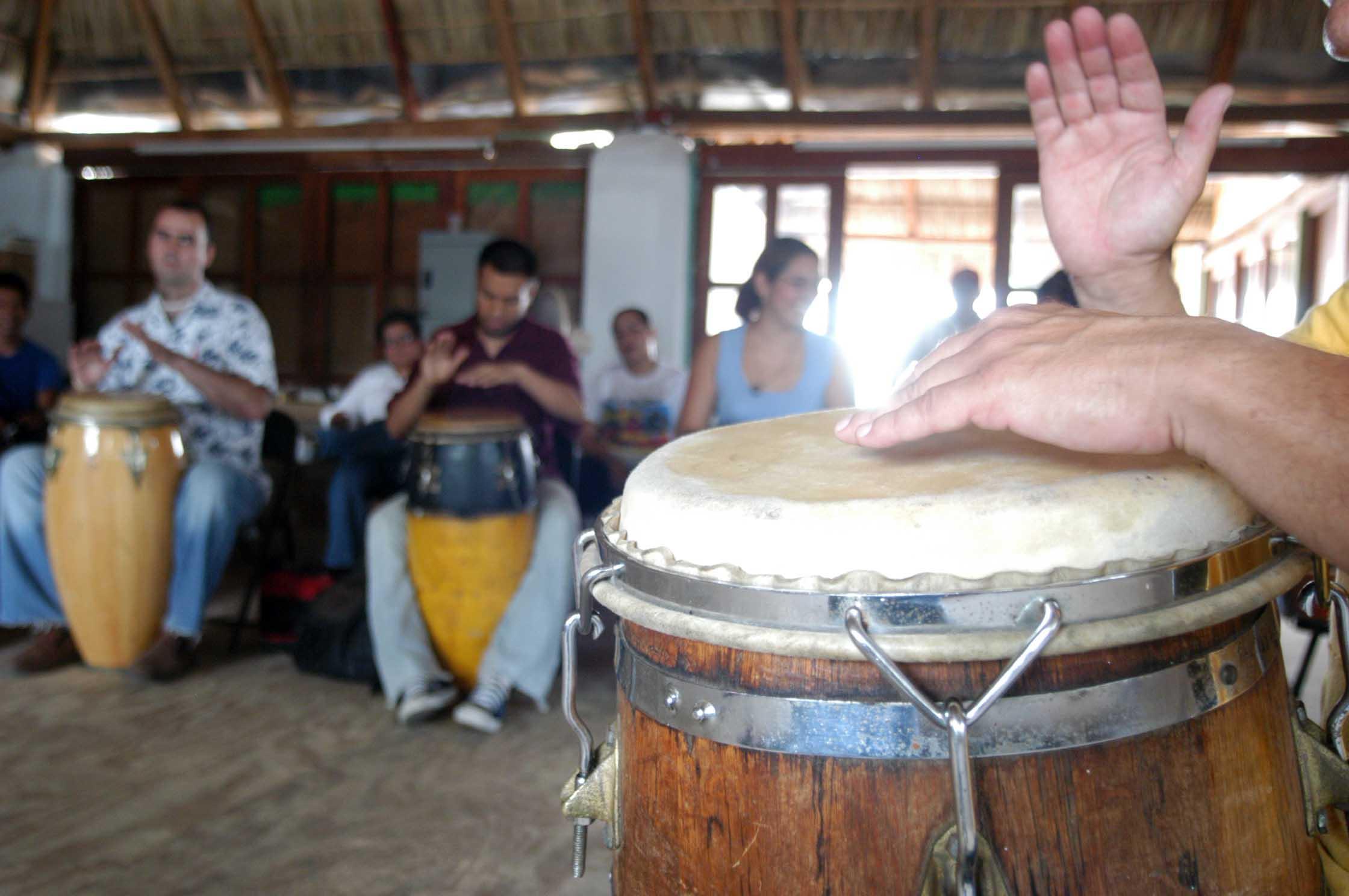 Talleres de percusión, ritmos cubanos y versería, en Festival Afrocaribeño en Veracruz