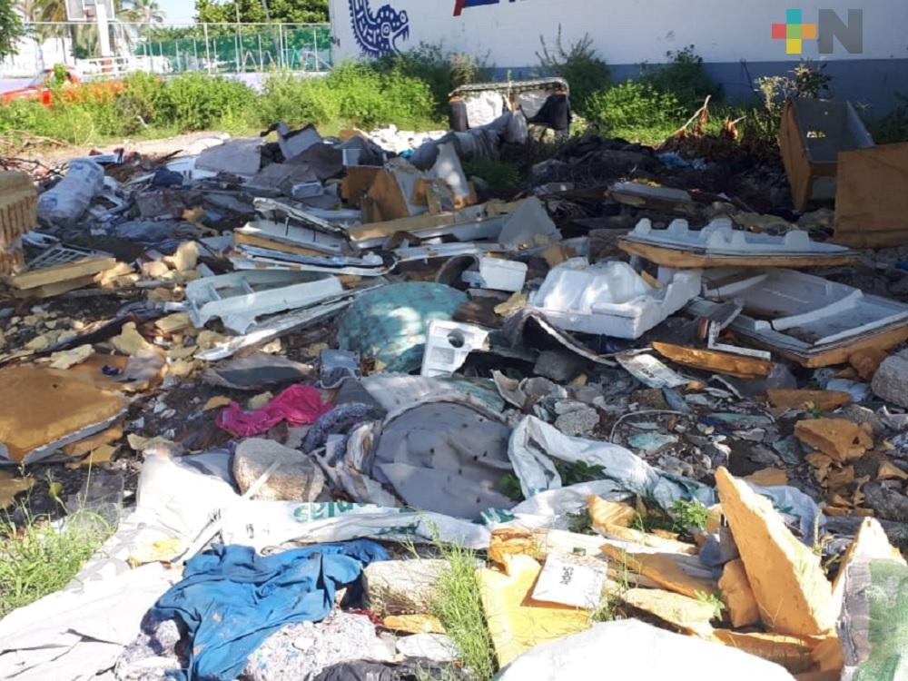 Vecinos exigen a gobierno municipal de Veracruz atienda tiradero a cielo abierto