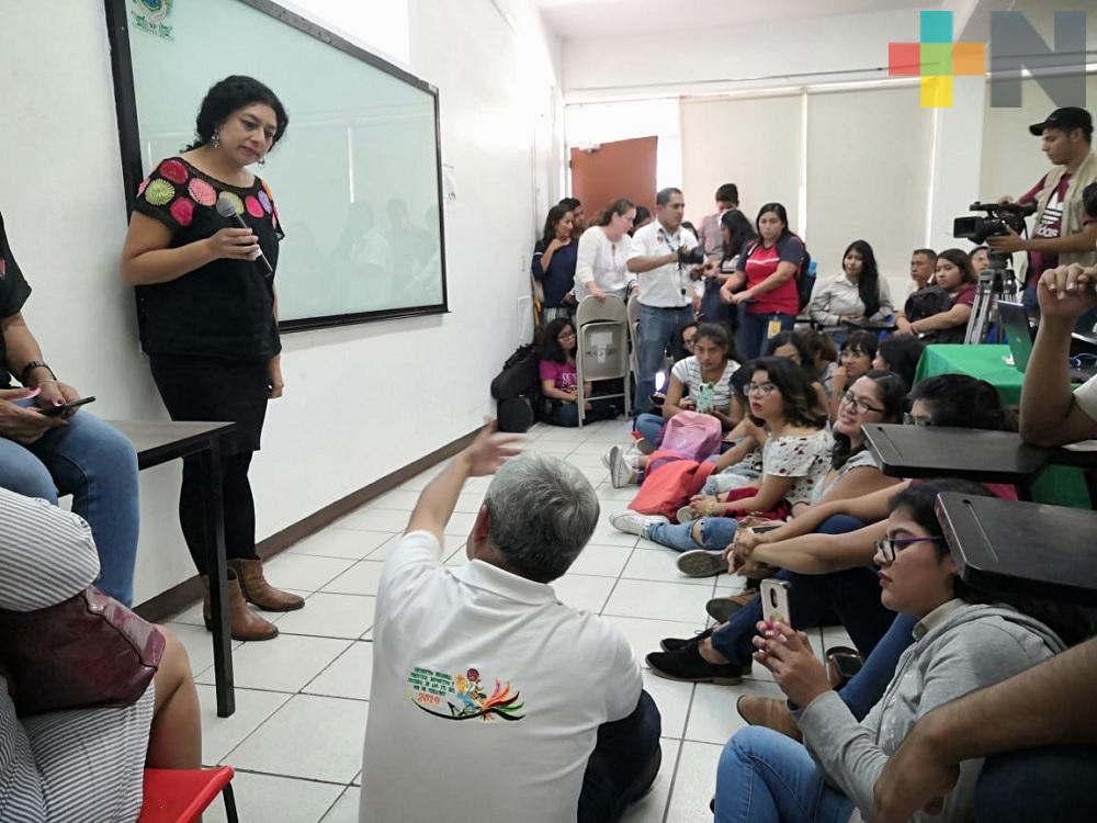 Con conferencia inician actividades de festival «Desde mis orígenes» en Coatzacoalcos