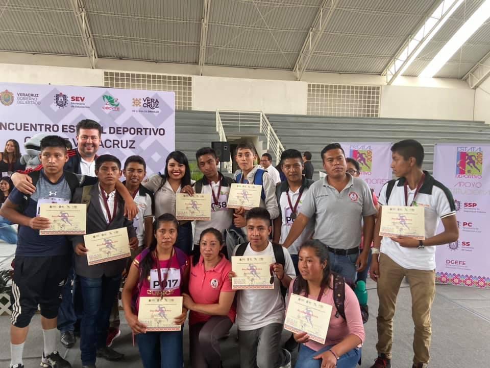 Clausuran el Encuentro Estatal Deportivo del CECyTE en Xalapa