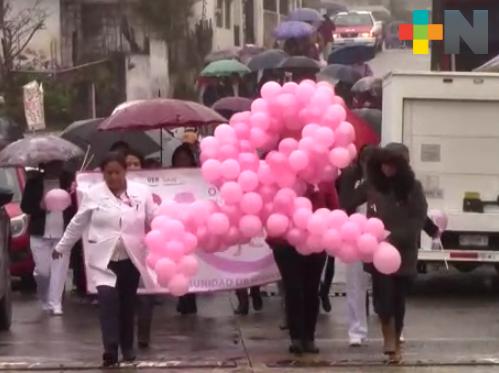 Realizan campaña de prevención del cáncer de mama en Huayacocotla
