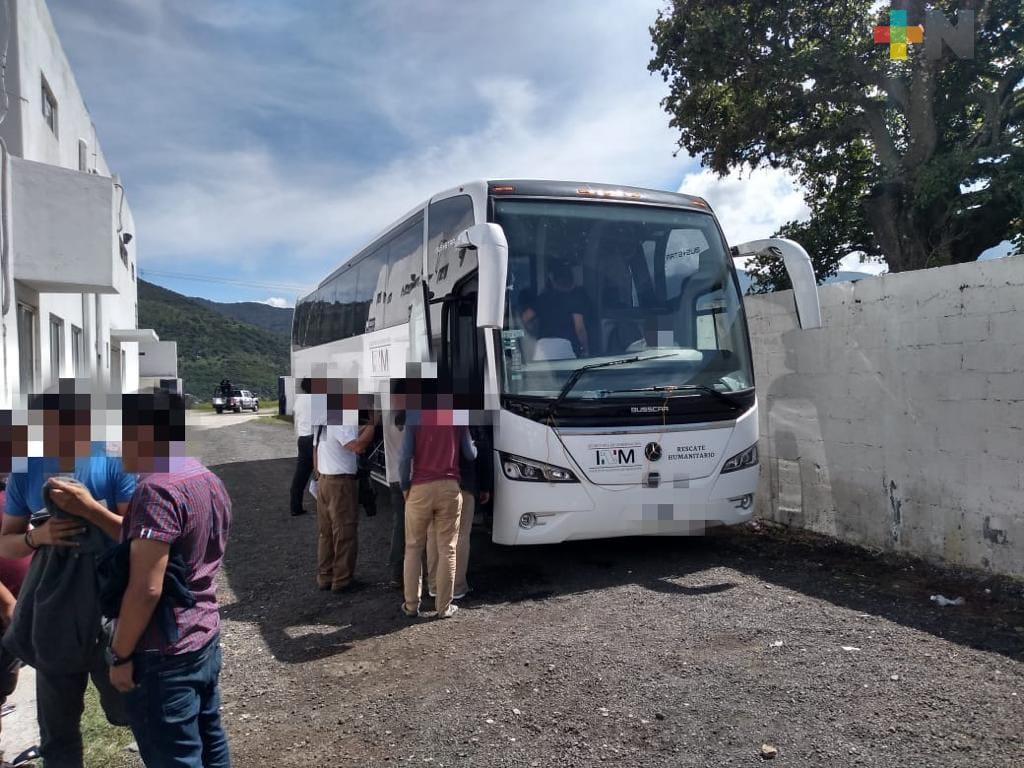 Auxilia Seguridad Pública a 98 migrantes, en Nogales
