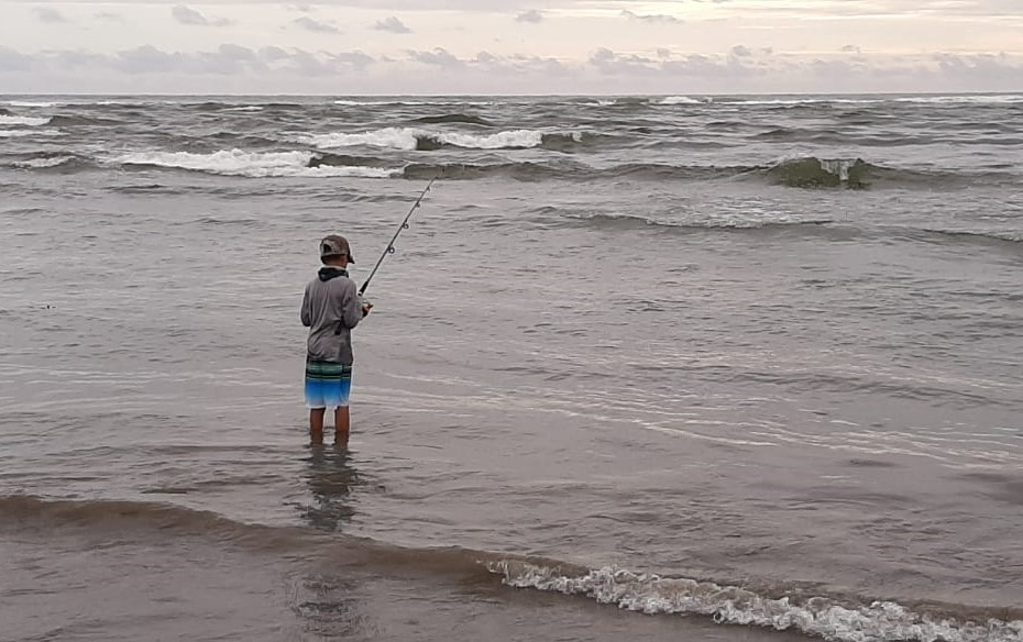 Niño pescador en Casitas