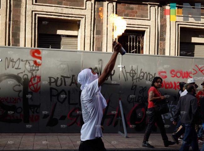 Pintas y disturbios en 5 de Mayo por encapuchados