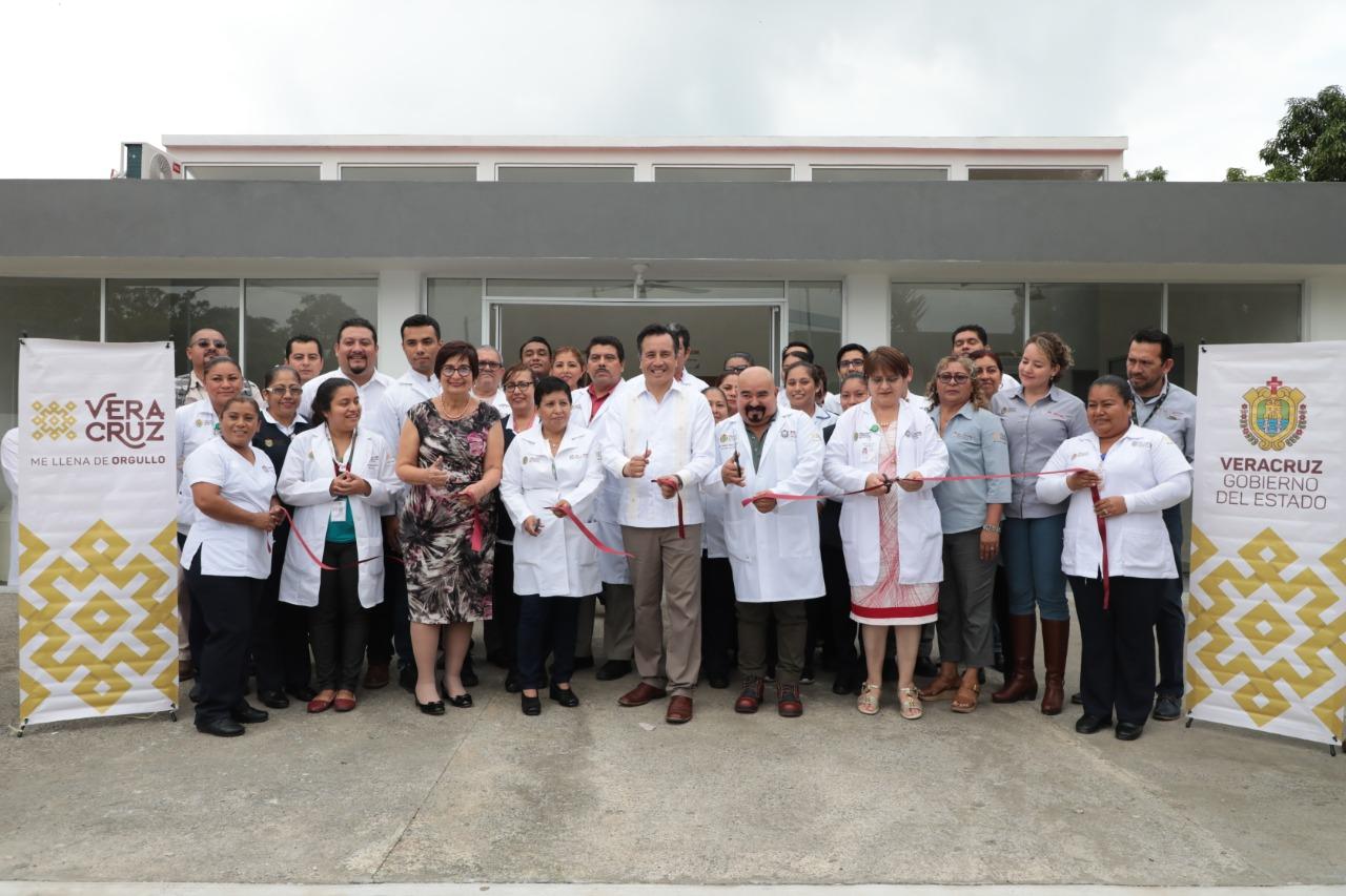 Inauguró el gobernador Cuitláhuac García, nuevo Centro de Salud en Tierra Blanca