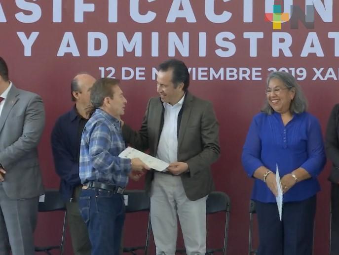 En Veracruz fueron basificados más de 25 mil maestros y personal administrativo