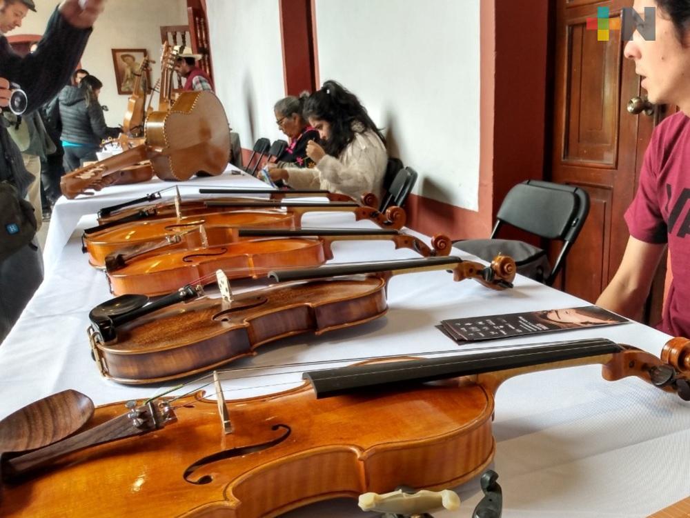 En Xalapa inician actividades del Festival de Laudería