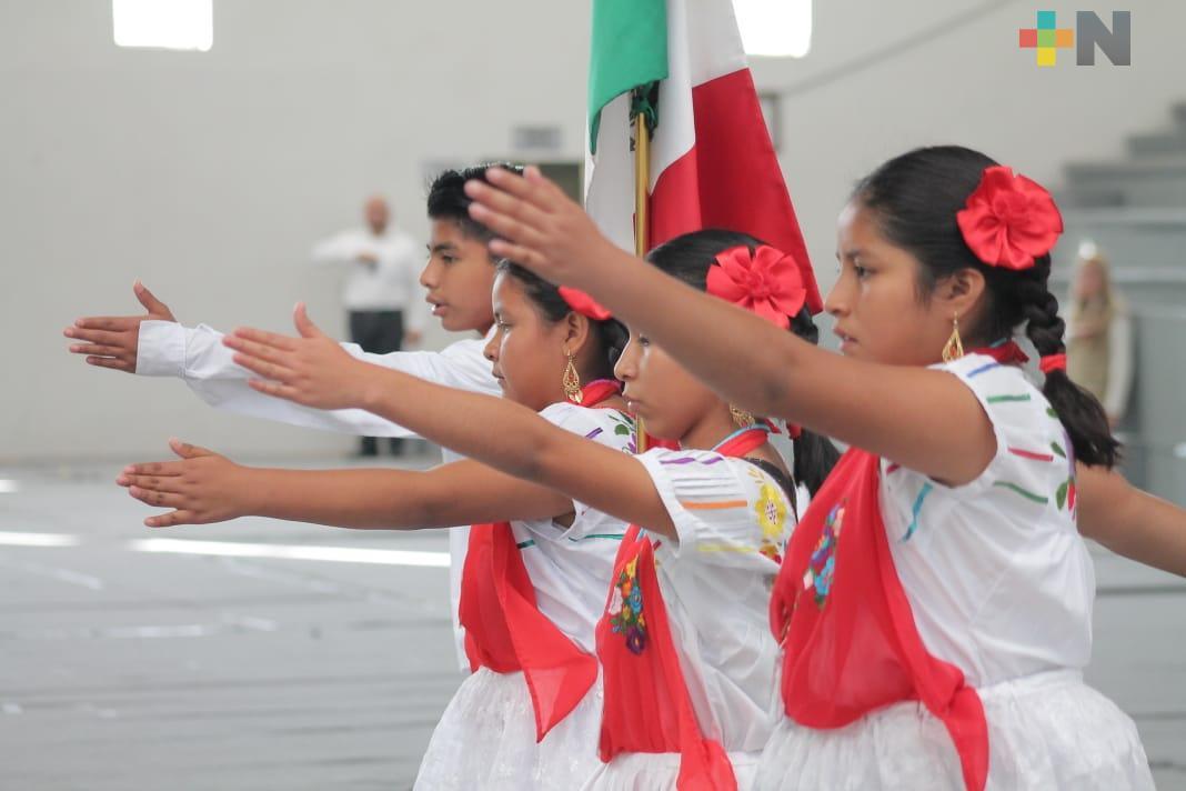 Reúne SEV a regiones indígenas en Encuentro Cultural de Escoltas e Himno Nacional