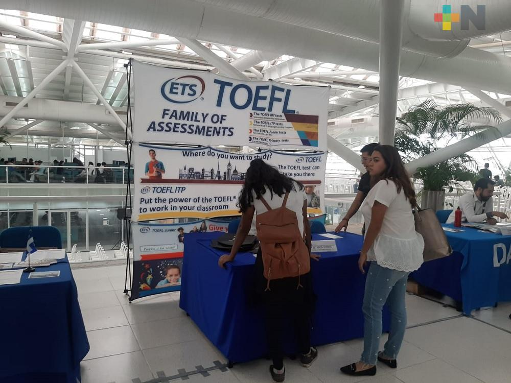 Inauguran 7ª Expo Oportunidades en campus Mocambo UV